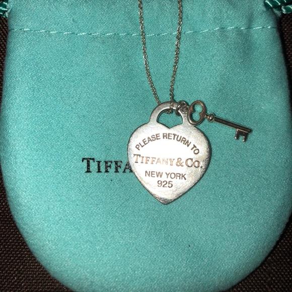 0836f97bcfc3 Tiffany   Co Heart Tag with Key Pendant. M 5abee4ed8290af08860cd4af